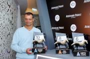法國參賽馬匹「烈日當空」的馬主代表Patrick Lemagny為該駒抽得第10檔。