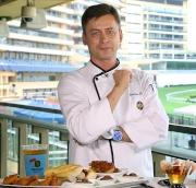 德裔總廚師長(馬場 - 西菜)克里斯蒂安 (Christian Bruhns)