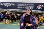 浪琴表香港國際賽事每位進入沙田馬場的馬迷,可免費獲贈精美實用的國際賽Cap帽一頂。