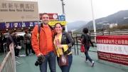 訪港旅客憑有效護照或旅遊証件可免費進入公眾席。
